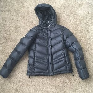 Black the Northface puffer jacket